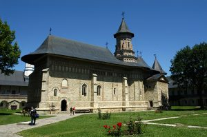 Manastirea_Neamt_1