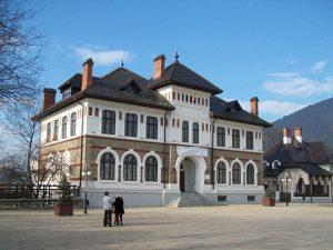 muzeul-de-arta-piatra-neamt